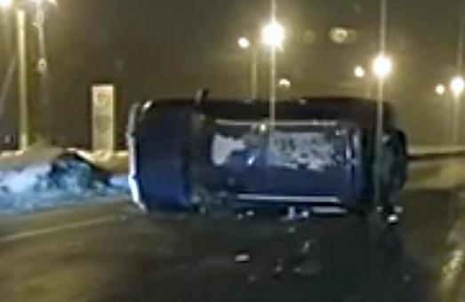 ДТП у Харкові: джип збив пішохода і перекинувся /ФОТО, ВІДЕО