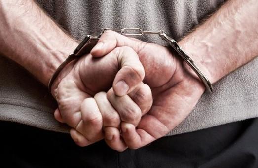 22-річного хлопця затримано за підозрою у вбивстві матері та замаху на вбиство