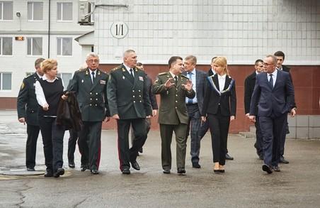Юлія Світлична і Степан Полторак у Харкові взяли участь у святкуванні 85-річчя академії Нацгвардії України/ Фоторепортаж