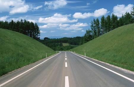 Харківську область названо серед перших регіонів з ремонту доріг