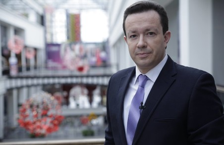 Популярний телеведучий Ігор Жуков чекає на вашу допомогу в лікуванні