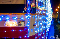 """Одеситів """"захопили"""" блискучі святкові трамваї/ ФОТОРЕПОРТАЖ"""
