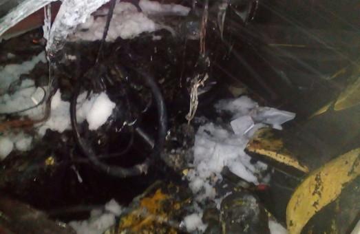 Поліція надала уточнення щодо згорілої автівки у Слобідському районі/ Фото