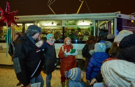 Різдвяний трамвай проїхався Харковом/ Фоторепортаж, Відео