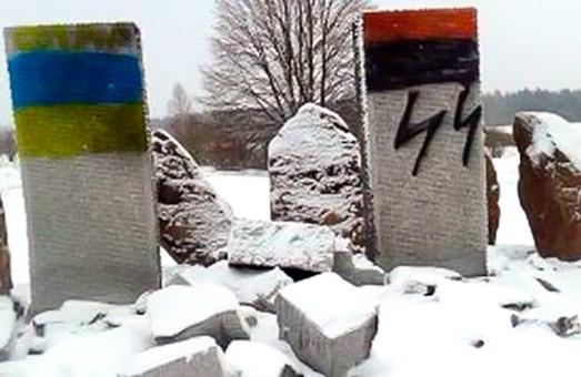 Директор Інституту національної пам'яті: знищення пам'ятника у Гуті Пеняцькій - провокація