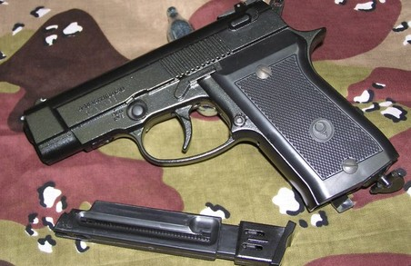 Затримано грабіжників з пістолетом