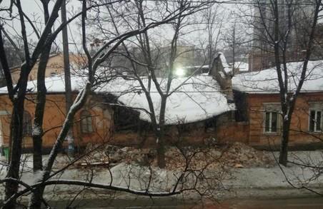 Кікбоксери не постраждали під час обвалення даху тренувального залу/ Фото