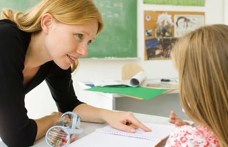Мінімальна заробітна плата вчителя складе 5266 гривень