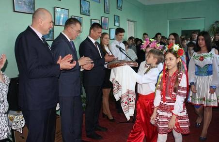 Харківські депутати від «Солідарності» передали комп'ютери балаклійським школам