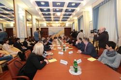 Потерпілим, свідкам та затриманим на Харківщині вручатимуть пам'ятки про їхні права. Проект реалізується за сприяння Світличної