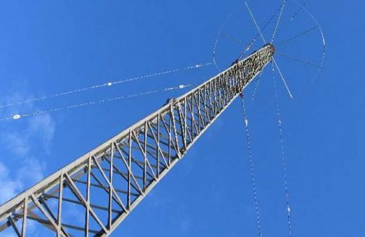 На Чонгарі змонтували вежу для мовлення на Крим