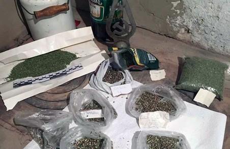 Вісім кіло марихуани: нови здобича харківських правоохоронців у Куп'янську