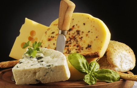 Які сири можна їсти. У Харкові проведено експертизу сиру, який реалізується в магазинах