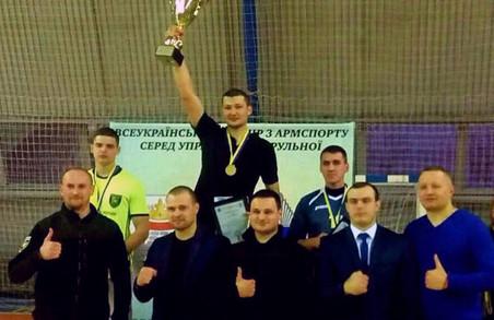 Харківські патрульні взяли участь у Всеукраїнському турнірі з армспорту / ФОТО