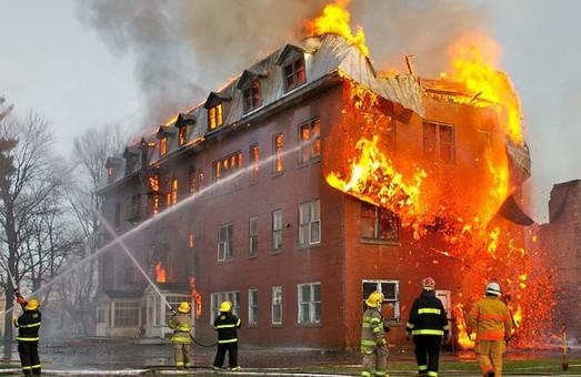 Згорів будівельний магазині. Ледве загасили/Доповнено
