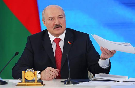 Лукашенко про Росію: «Ніякої війни не буде, але незалежність ми будемо захищати»