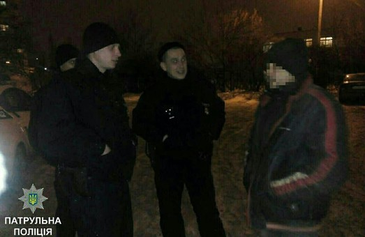 Харківські поліцейські впіймали крадія та хулігана: фото