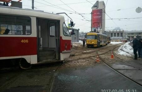 ДТП у Харкові: п'яний водій, постраждала жінка і «швидка» на зустрічній смузі / ФОТО