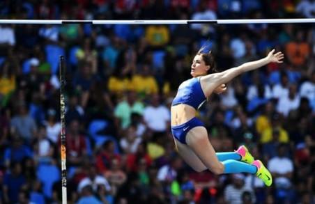 Марина Килипко перескочила 4м 50 см  в Карлсруе/ Фото