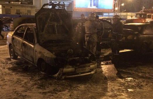 Вечірня пожежа у «Каравані» на Героїв Праці/ Подробиці, Фото