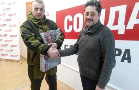 Харківський депутат від «Солідарності» передав набори інструментів для бійців АТО