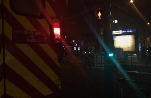 У метро – задимлення, є постраждалі, пасажирів евакуювали / Фото