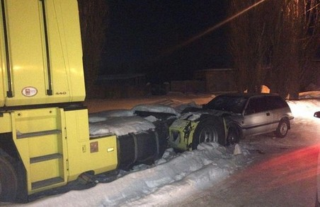 Рятувальники витягли зі снігу чотири машини