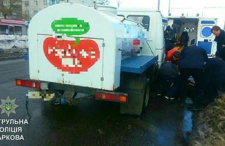 ДТП: під колісами загинув підліток, жінку переїхав молоковоз/ Фото