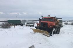 Як рятувальники витягнули зі снігу під Ізюмом 90 автомобілів і  470 чоловік/ ВІДЕО, Фото