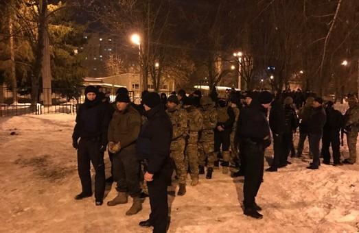 """Поліція назвала хуліганством стрілянину на Олексіївці, у якій задіяні представники """"Донбасу"""" і """"Східного корпусу"""""""