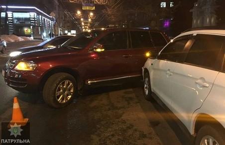 Підліток за кермом Volkswagen`а потрапив у ДТП у центрі Харкова