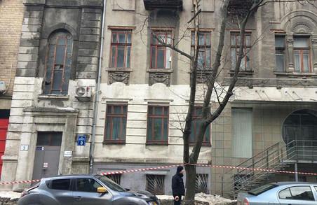 Поліція Харківщини допомагає громадянам: винесли чоловіка з вогню, допомогли дитині та врятували дівчину