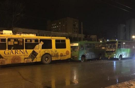 Дівчина зазнала від «Газелі», ще один мінус Prius і ще одна улюблена трамвайна забава харків'ян: ДТП за добу