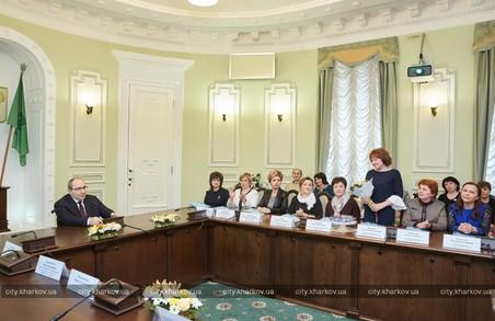 Кращі педагоги міста отримуватимуть щомісячну премію 3000 грн.
