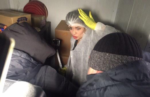 В Харькове попытались закрыть «Ревизора» в морозилке (фото, видео)