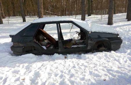 Викрадене авто знайшли у різних місцях