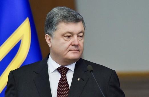Україна почала демонструвати зростання економіки. Відновлення ХТЗ - яскравий доказ цьому - Порошенко/ ВІДЕО, Доповнено
