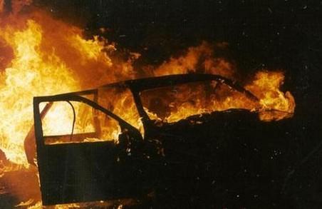 У Харкові співробітники ДСНС врятували авто