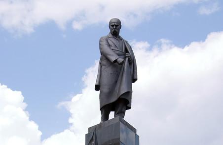 Знавців Шевченка пустять у метро безкоштовно
