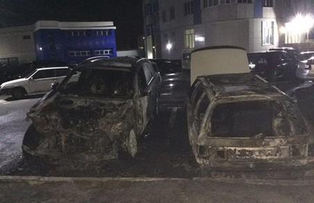 Рятувальники теж не говорять, хто палить іномарки на Барабашова
