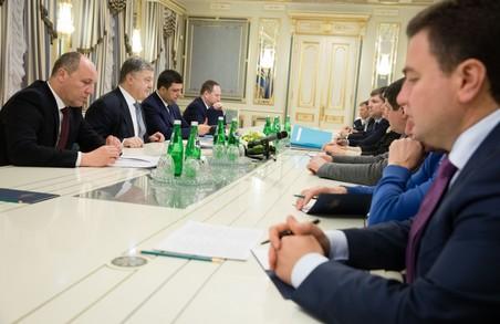 Про що говорив Президент України з лідерами парламентських фракцій: усі подробиці