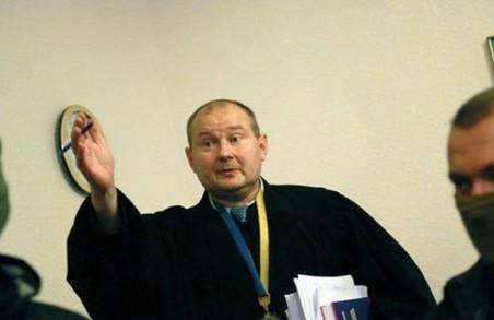 Ще одного суддю-колядника намагаються впихнути в Україну