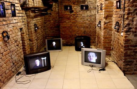 «Точки наближення»: як за допомогою сучасного мистецтва показують травматичний досвід війни
