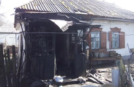 На пожежі загинув чоловік, жінку вдалося врятувати