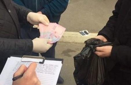 Харків'янин відмовився двічі платити за консерви