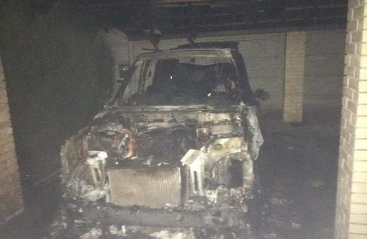 На районі згорів Land Rover/ Фото