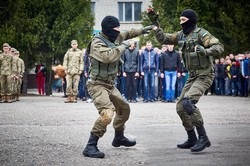 Першим харківським призовникам влаштували парад/ Фоторепортаж