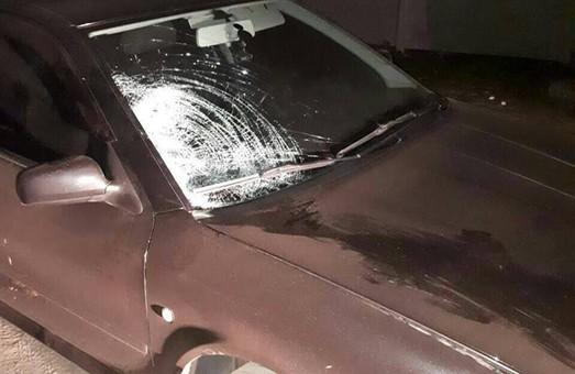 Поліція розшукує водія автівки, який, ймовірно, задавив людину на Московському проспекті