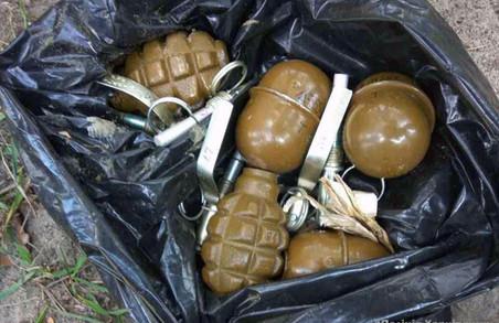 Затримано чоловіка в камуфляжі з гранатами