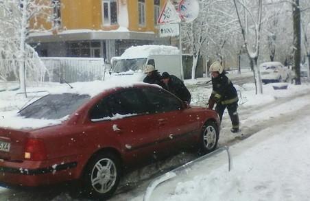 Рятувальники ліквідують наслідки негоди на Харківщині/ Фото, Відео